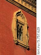 Купить «Старое окно ,бывшая церковь св.Александра Невского», фото № 5757629, снято 28 марта 2014 г. (c) Федюнин Александр / Фотобанк Лори