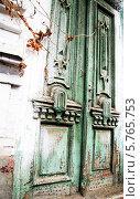 Старая дверь. Стоковое фото, фотограф Багова Маргарита / Фотобанк Лори