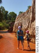 Купить «Вьетнам, Красный ручей (Fairy stream)», фото № 5770693, снято 23 января 2014 г. (c) макаров виктор / Фотобанк Лори