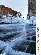 Байкал. Мыс Хорин-Ирги зимой. Стоковое фото, фотограф Виктория Катьянова / Фотобанк Лори
