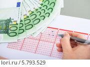 Купить «лотерейный билет и денежные купюры», фото № 5793529, снято 5 января 2014 г. (c) Андрей Попов / Фотобанк Лори