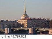 Купить «Адмиралтейство и Дворцовый мост, Санкт-Петербург», фото № 5797821, снято 10 апреля 2014 г. (c) Смелов Иван / Фотобанк Лори