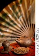 Чайник гайвань чай. Стоковое фото, фотограф Пётр Мусатов / Фотобанк Лори
