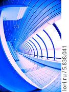"""Купить «Торгово-пешеходный мост """"Багратион"""", Москва-Сити. Изображение в синих тонах», фото № 5838041, снято 23 марта 2013 г. (c) Astroid / Фотобанк Лори"""