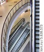 Эскалаторы в торговом центре. Стоковое фото, фотограф Зацепина Галина / Фотобанк Лори