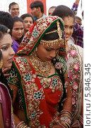 Индийская невеста (2012 год). Редакционное фото, фотограф Вячеслав Строганов / Фотобанк Лори