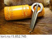 Купить «Хомус, варган на мехе ондатры», фото № 5852745, снято 24 февраля 2014 г. (c) AlexIrina / Фотобанк Лори