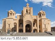 Купить «Собор Святого Григория Просветителя (Սուրբ Գրիքոր Լուսավորիչ մայր տաճար). Армения, Ереван», фото № 5853661, снято 14 апреля 2014 г. (c) Emelinna / Фотобанк Лори