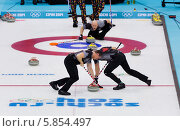 Керлинг. Сочи. Олимпийские игры 2014. Редакционное фото, фотограф Борис Ветшев / Фотобанк Лори