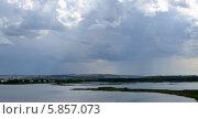 Летние дожди над волжскими просторами вблизи Свияжска. Стоковое фото, фотограф Ольга Коцюба / Фотобанк Лори