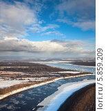 Купить «Ледоход на большой реке», фото № 5859209, снято 20 ноября 2013 г. (c) Владимир Мельников / Фотобанк Лори