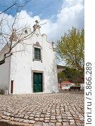 Купить «Церковь в Альте, Португалия», фото № 5866289, снято 3 апреля 2013 г. (c) Аnna Ivanova / Фотобанк Лори