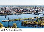 Купить «Летняя панорама района города Риги. Латвия», фото № 5869329, снято 25 апреля 2014 г. (c) Alexander Tihonovs / Фотобанк Лори