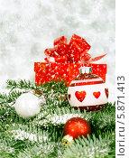 Купить «Рождественские украшения», фото № 5871413, снято 10 декабря 2012 г. (c) Аnna Ivanova / Фотобанк Лори