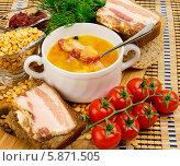 Купить «Гороховый суп с беконом в белой керамической чаше», фото № 5871505, снято 22 января 2014 г. (c) Андрей Радченко / Фотобанк Лори