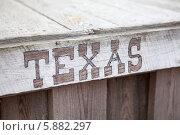 "Купить «Надпись ""Texas"" на доске», фото № 5882297, снято 13 апреля 2014 г. (c) Кекяляйнен Андрей / Фотобанк Лори"