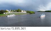 Великий Новгород (2014 год). Редакционное фото, фотограф Юлия Подгорная / Фотобанк Лори