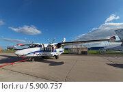 Купить «Международный авиационно-космический салон МАКС-2013. Чешский универсальный двухмоторный самолет для местных воздушных линий Let L-410 Turbolet», фото № 5900737, снято 27 августа 2013 г. (c) Игорь Долгов / Фотобанк Лори