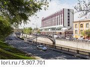 Купить «Вид на набережную реки Яузы в районе Центра дизайна Artplay», эксклюзивное фото № 5907701, снято 15 мая 2013 г. (c) Родион Власов / Фотобанк Лори