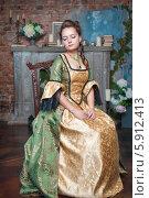 Купить «Красивая девушка в старинном платье», фото № 5912413, снято 27 февраля 2014 г. (c) Darkbird77 / Фотобанк Лори