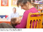 Купить «Грудное вскармливание. Мама и ребенок», фото № 5925861, снято 21 января 2020 г. (c) BE&W Photo / Фотобанк Лори