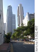 Купить «Небоскребы в центре Сингапура», фото № 5932497, снято 6 мая 2010 г. (c) Daniil Nasonov / Фотобанк Лори