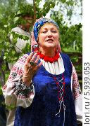 Купить «Праздник Троица В России, фольклор и народные гуляния», фото № 5939053, снято 23 июня 2013 г. (c) ElenArt / Фотобанк Лори