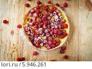 Малиновый заварной пирог, вид сверху. Стоковое фото, фотограф Афанасьева Ольга / Фотобанк Лори