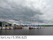 Купить «Яхтенная гавань на берегу Калининградского залива. Калининград», эксклюзивное фото № 5956625, снято 21 июля 2019 г. (c) Svet / Фотобанк Лори