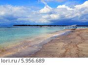 Тропический пейзаж. Остров Гили Траванган, Индонезия. Вид на Гили Мено (2014 год). Стоковое фото, фотограф Светлана Колобова / Фотобанк Лори