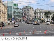 Купить «Площадь Ильинские Ворота, Москва», эксклюзивное фото № 5965841, снято 25 мая 2014 г. (c) Алексей Гусев / Фотобанк Лори