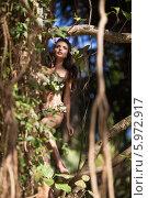 Красивая девушка в дикой природе, Индия. Стоковое фото, фотограф Игорь Романчук / Фотобанк Лори