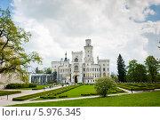 Купить «Замок Глубока-над-Влтавой. Чехия», фото № 5976345, снято 27 апреля 2014 г. (c) E. O. / Фотобанк Лори