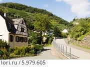 Купить «Вид на окраине городка Коберн-Гондорфа в Германии», фото № 5979605, снято 15 сентября 2010 г. (c) Солодовникова Елена / Фотобанк Лори