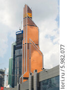 Купить ««Меркурий Сити Тауэр». Москва», эксклюзивное фото № 5982077, снято 27 мая 2014 г. (c) Александр Щепин / Фотобанк Лори