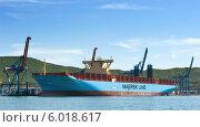 Купить «Новый контейнеровоз Marstal Maersk, стоящий у контейнерного терминала порта Восточный», фото № 6018617, снято 30 мая 2014 г. (c) Владимир Серебрянский / Фотобанк Лори