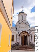 Купить «Богородице-Рождественский женский монастырь», фото № 6019249, снято 18 июня 2014 г. (c) Кирпинев Валерий / Фотобанк Лори