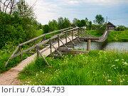 Деревянный висячий мост в деревне Верховье. Олонец, Карелия (2014 год). Стоковое фото, фотограф Юлия Бабкина / Фотобанк Лори