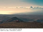 Купить «Посадка вертолета в горах полуострова Говена. Северная Камчатка.», фото № 6037037, снято 13 сентября 2007 г. (c) Александр Лицис / Фотобанк Лори