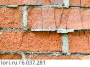 Старая кирпичная стена с трещинами. Стоковое фото, фотограф Анастасия Филиппова / Фотобанк Лори