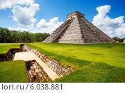 Купить «Памятник Чичен Ицу летом в Мексике», фото № 6038881, снято 26 марта 2019 г. (c) Сергей Новиков / Фотобанк Лори