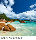 Купить «Тропический пляж с большими камнями. Сейшельские острова», фото № 6039373, снято 16 апреля 2014 г. (c) Николай Охитин / Фотобанк Лори