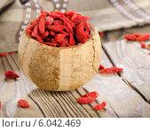 Купить «Red goji berries», фото № 6042469, снято 22 июня 2014 г. (c) Tatjana Baibakova / Фотобанк Лори