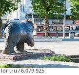 """Купить «""""Медведь"""" на улице города Перми», фото № 6079925, снято 14 мая 2012 г. (c) Elena Monakhova / Фотобанк Лори"""