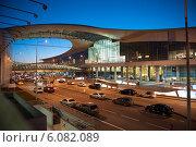 Купить «Аэропорт Шереметьево, терминал D. Вечер», фото № 6082089, снято 24 апреля 2014 г. (c) Александр Овчинников / Фотобанк Лори
