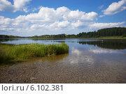 Старый Изборск. Городищенское озеро. (2014 год). Редакционное фото, фотограф Анна Кудрявцева / Фотобанк Лори