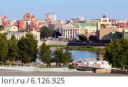 Купить «Панорама центра города Челябинска», эксклюзивное фото № 6126925, снято 17 июня 2014 г. (c) Артём Крылов / Фотобанк Лори