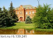 Здание картинной галереи в городе Волжском (2014 год). Стоковое фото, фотограф Людмила Стешенко / Фотобанк Лори