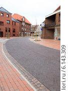 Купить «Улица города Фисбек, Германия», фото № 6143309, снято 6 апреля 2011 г. (c) Василий Вишневский / Фотобанк Лори