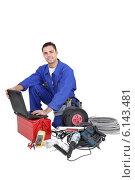 Купить «Tradesman with his tools», фото № 6143481, снято 2 декабря 2009 г. (c) Phovoir Images / Фотобанк Лори